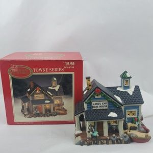 Dickens Collectables Lands End Boat House Light Up